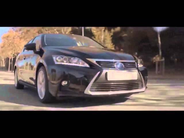 EM MOVIMENTO Lexus CT 200h Hybrid 2014 1.8 136 cv
