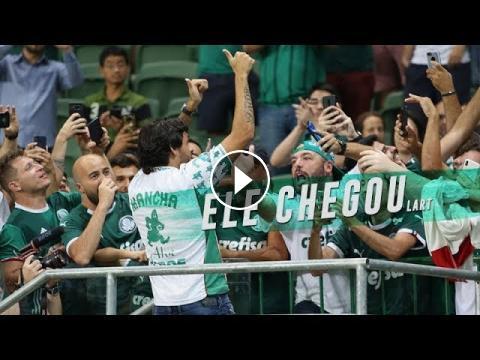 Ricardo Goulart deu uma volta no Allianz Parque e recebeu o carinho da  torcida do Palmeiras! Assista e deixe o  like!------------------------ Palmeiras. fd7e82f9a49d9